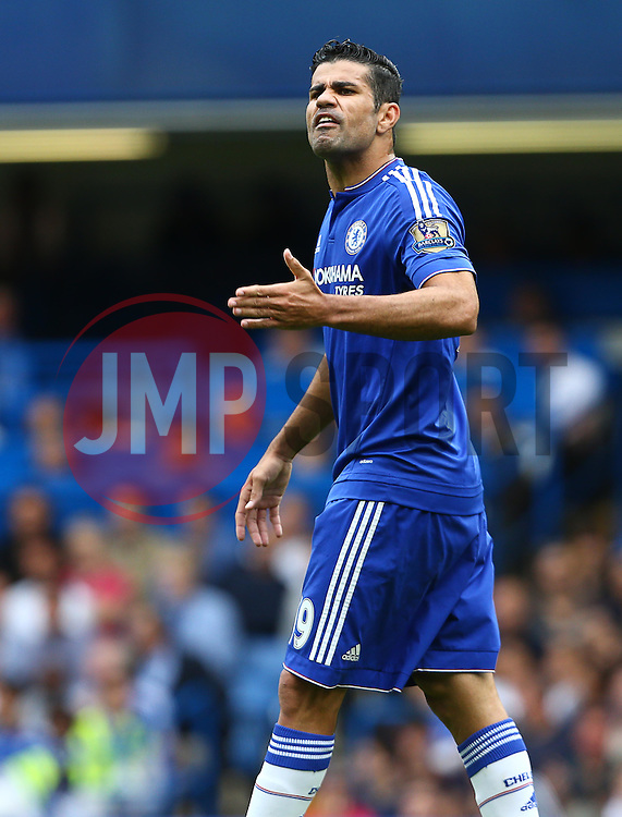 Diego Costa of Chelsea gestures towards the assistant referee after a decision doesn't go his way - Mandatory byline: Paul Terry/JMP - 07966386802 - 29/08/2015 - FOOTBALL - Stamford Bridge -London,England - Chelsea v Crystal Palace - Barclays Premier League