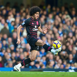 LONDON, ENGLAND - Saturday, December 12, 2009: Everton's Marouane Fellaini in action against Chelsea during the Premiership match at Stamford Bridge. (Photo by David Rawcliffe/Propaganda)