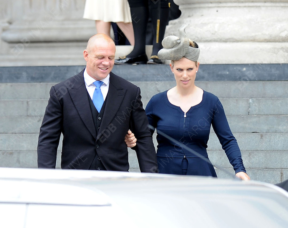 05.JUNE.2012. LONDON<br /> <br /> MIKE TINDALL AND ZARA PHILLIPS LEAVING THE SERVICE OF THANKSGIVING AS PART OF THE QUEEN'S DIAMOND JUBILEE CELEBRATIONS AT ST PAUL'S CATHEDRAL IN LONDON<br /> <br /> BYLINE: EDBIMAGEARCHIVE.CO.UK<br /> <br /> *THIS IMAGE IS STRICTLY FOR UK NEWSPAPERS AND MAGAZINES ONLY*<br /> *FOR WORLD WIDE SALES AND WEB USE PLEASE CONTACT EDBIMAGEARCHIVE - 0208 954 5968*