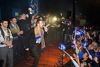 Molde feirer cupgullet hjemme i Molde etter &aring; ha sl&aring;tt Rosenborg 4-2 i cupfinalen. Daniel Berg Hestad fyrer opp stemningen p&aring; scena.<br /> Foto: Svein Ove Ekornesv&aring;g