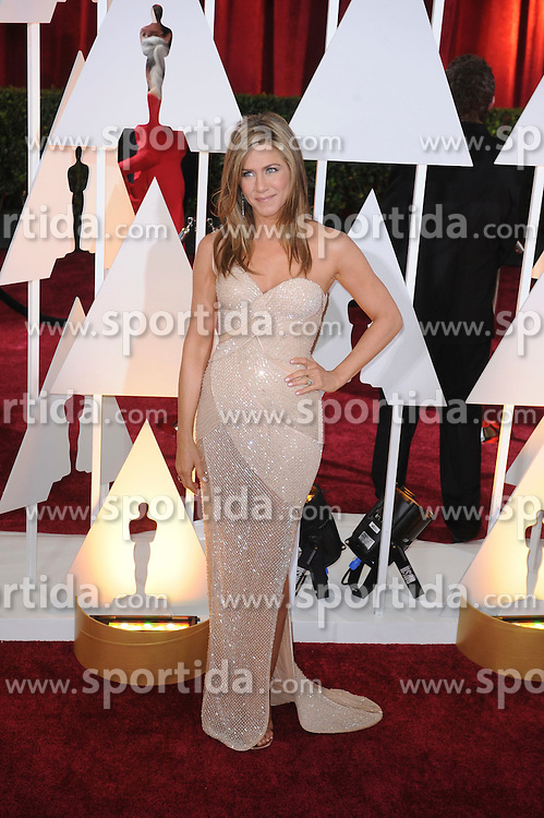 22.02.2015, Dolby Theatre, Hollywood, USA, Oscar 2015, 87. Verleihung der Academy of Motion Picture Arts and Sciences, im Bild Jennifer Aniston // attends 87th Annual Academy Awards at the Dolby Theatre in Hollywood, United States on 2015/02/22. EXPA Pictures &copy; 2015, PhotoCredit: EXPA/ Newspix/ PGMP<br /> <br /> *****ATTENTION - for AUT, SLO, CRO, SRB, BIH, MAZ, TUR, SUI, SWE only*****