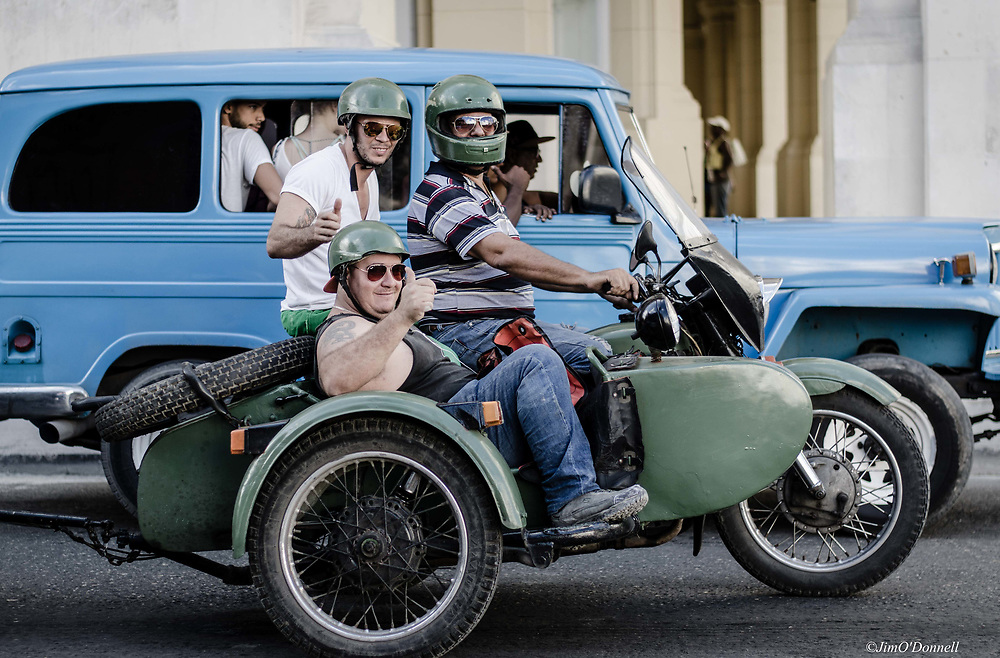 Vintage American cars in Cuba