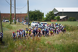 The peloton approach at OVO Energy Women's Tour 2018 - Stage 1, a 130 km road race from Framlingham to Southwold, United Kingdom on June 13, 2018. Photo by Sean Robinson/velofocus.com