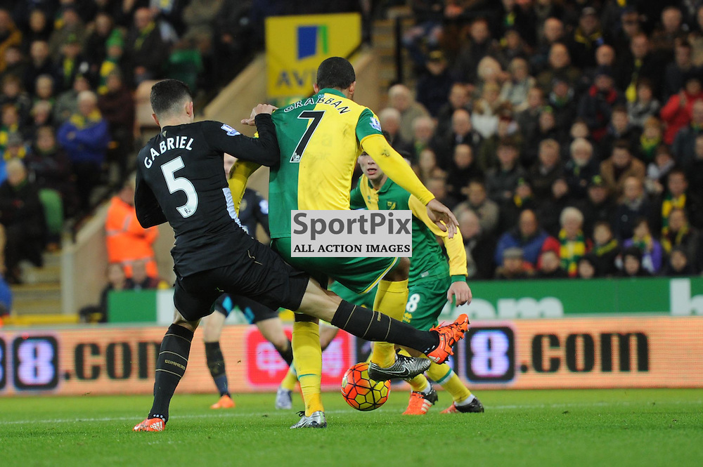 Norwichs Lewis Grabban breaks through the Arsenal defence to equalise for Norwich during the Norwich v Arsenal game in the Barclays Premier League on Sunday 29th November 2015 at Carrow Road