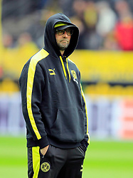 15.02.2014, Signal Iduna Park, Dortmund, GER, 1. FBL, Borussia Dortmund vs Eintracht Frankfurt, 21. Runde, im Bild Trainer Juergen Klopp (Borussia Dortmund) nachdenklich mit Kapuze // during the German Bundesliga 21th round match between Borussia Dortmund and Eintracht Frankfurt at the Signal Iduna Park in Dortmund, Germany on 2014/02/15. EXPA Pictures © 2014, PhotoCredit: EXPA/ Eibner-Pressefoto/ Schueler<br /> <br /> *****ATTENTION - OUT of GER*****