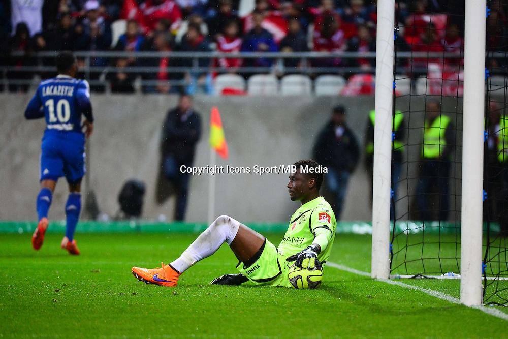 Deception Kossi AGASSA - 26.04.2015 - Reims / Lyon - 34eme journee de Ligue 1<br /> Photo : David Winter / Icon Sport