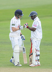 Michael Carberry of Hampshire and James Adams - Mandatory byline: Dougie Allward/JMP - 07966386802 - 11/09/2015 - Cricket - County Ground -Taunton,England - Somerset CCC v Hampshire CCC - LV=County Championship - Day 3