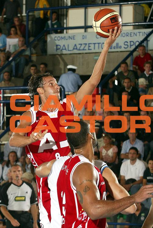 DESCRIZIONE : CASTELFIORENTINO TORNEO DI PREPARAZIONE CAMPIONATO LEGA A1 STAGIONE 2005-2006<br />GIOCATORE : COLDEBELLA<br />SQUADRA : ARMANI JEANS MILANO<br />EVENTO : TORNEO DI PREPARAZIONE CAMPIONATO LEGA A1 STAGIONE 2005-2006<br />GARA : ARMANI JEANS MILANO-BASKET LIVORNO<br />DATA : 17/09/2005<br />CATEGORIA : Tiro<br />SPORT : Pallacanestro<br />AUTORE : AGENZIA CIAMILLO &amp; CASTORIA/S.Ceretti