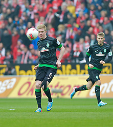 30.03.2013, Coface Arena, Mainz, GER, 1. FBL, 1. FSV Mainz 05 vs SV Werder Bremen, 27. Runde, im Bild Kevin de Bruyne (Bremen #6) beim Pass // during the German Bundesliga 27th round match between 1. FSV Mainz 05 and SV Werder Bremen at the Coface Arena, Mainz, Germany on 2013/03/30. EXPA Pictures © 2013, PhotoCredit: EXPA/ Andreas Gumz ***** ATTENTION - OUT OF GER *****