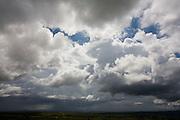Baldim_MG, Brasil...Nuvem de chuva em uma paisagem rural...Storm clouds  in rural landscape...Foto: LEO DRUMOND /  NITRO