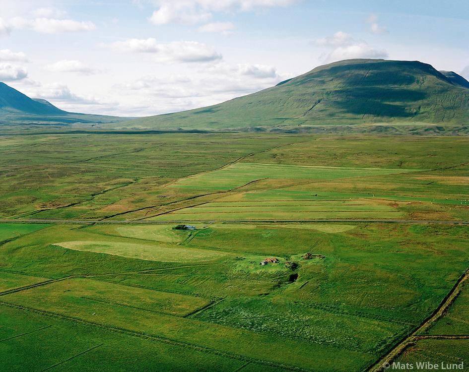Stóraseyla séð til vesturs, Seyluhreppur   /   Storaseyla viewing west, Seyluhreppur.  -  New name of the county since June 1998:  Sveitarfélagið Skagafjörður  /  Sveitarfelagid Skagafjordur.