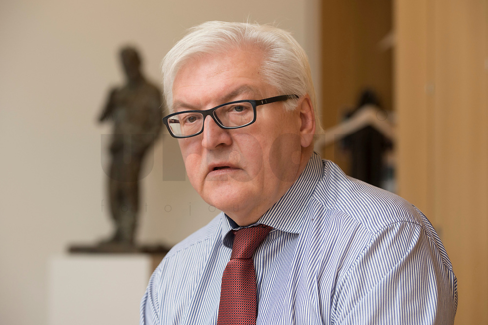 15 JAN 2013, BERLIN/GERMANY:<br /> Frank-Walter Steinmeier, SPD Fraktionsvorsitzender, waehrend einem Interview, in seinem Buero, Jakob-Kaiser-Haus, Deutscher Budnestag<br /> IMAGE: 20130115-01-016<br /> KEYWORDS: Büro