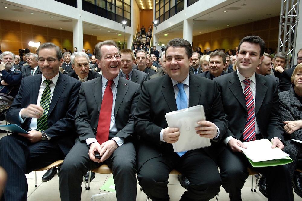 06 MAR 2006, BERLIN/GERMANY:<br /> Matthias Platzeck, SPD Parteivorsitzender, Franz Muentefering, SPD, Bundesarbeitsminister, Sigmar gabriel, SPD, Bundesumweltminister, und Hubertus Heil, SPD Generalsekretaer, (v.L.n.R.), im Gespraech, vor Beginn der SPD Konferenz zum Thema &quot;Neue Energie&quot;, Willy-Brandt-Haus<br /> IMAGE: 20060306-02-013<br /> KEYWORDS: Franz M&uuml;ntefering, Gespr&auml;ch, lacht, lachen, freundlich