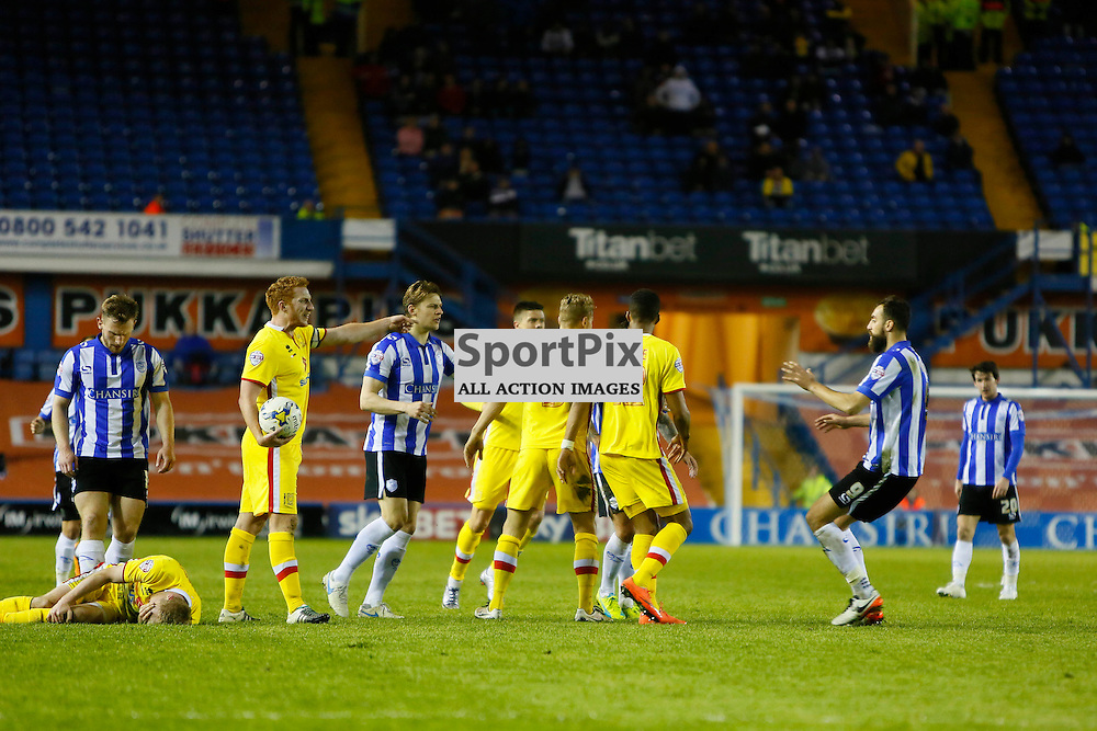 Players come together as Ross Wallace is sent off during Sheffield Wednesday v Milton Keynes Dons, SkyBet Championship, Tuesday 19th April 2016, Hilsborough, Sheffield