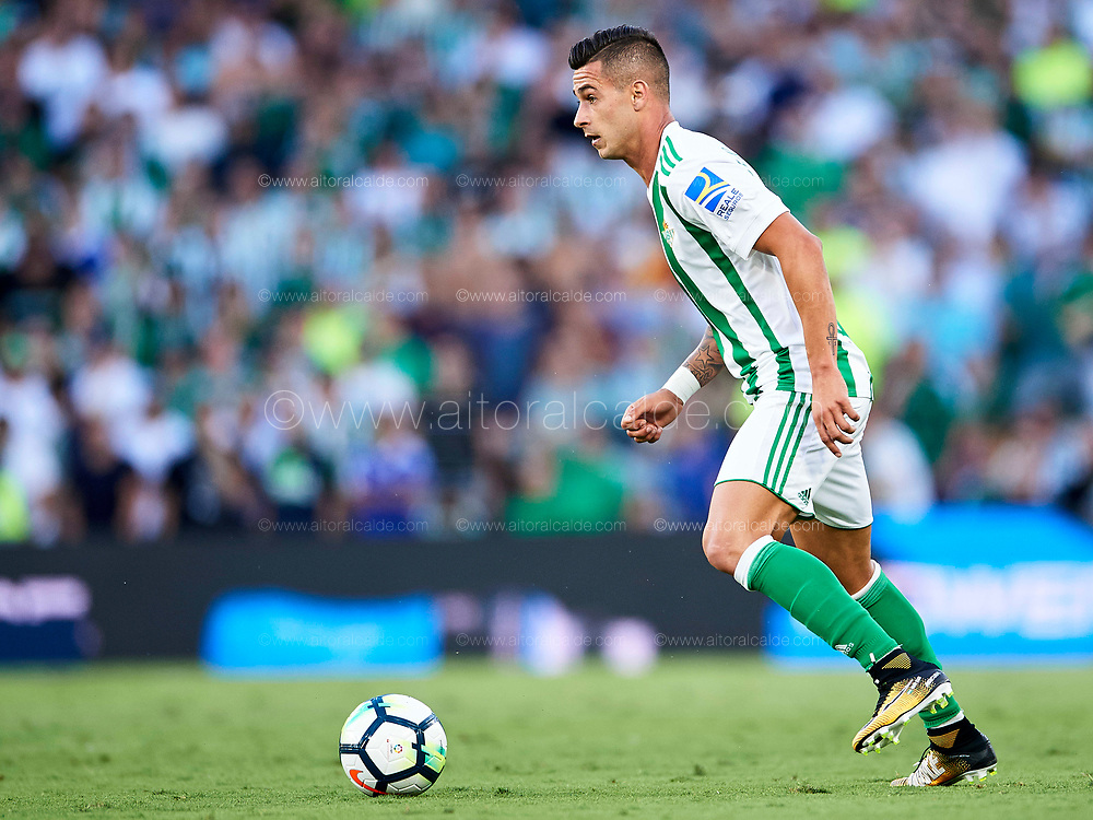 SEVILLE, SPAIN - SEPTEMBER 16:  Sergio Leon of Real Betis Balompie in action during the La Liga match between Real Betis and Deportivo La Coruna  at Estadio Benito Villamarin on September 16, 2017 in Seville, .  (Photo by Aitor Alcalde Colomer/Getty Images)
