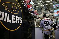 GET-ligaen Ice Hockey, 27. october 2016 ,  Stavanger Oilers v Stjernen<br /> Tommy Kristiansen fra Stavanger Oilers i løpet av pause mot Stjernen<br /> Foto: Andrew Halseid Budd , Digitalsport