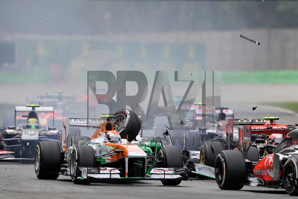 Acidente envolvendo o piloto Paul Di Rasta da equipe Sahara Force India no GP de Fórmula 1 da Itália, disputado no circuito de Monza, neste domingo (08). (Foto: Pixathlon / Brazil Photo Press).