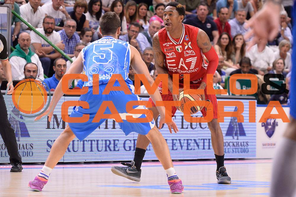 DESCRIZIONE :  Lega A 2014-15  Banco di Sardegna Sassari - EA7 Milano playoff Semifinale gara 3 <br /> GIOCATORE : Brooks MarShon<br /> CATEGORIA : Low Tecnica Palleggio<br /> SQUADRA : EA7 Milano<br /> EVENTO : PlayOff Semifinale gara 3<br /> GARA : Banco di Sardegna Sassari - EA7 Milano PlayOff Semifinale Gara 3<br /> DATA : 02/06/2015 <br /> SPORT : Pallacanestro <br /> AUTORE : Agenzia Ciamillo-Castoria/Richard Morgano<br /> Galleria : Lega Basket A 2014-2015 Fotonotizia : Sassari Lega A 2014-15  Banco di Sardegna Sassari- EA7 Milano playoff Semifinale  gara 3<br /> Predefinita :