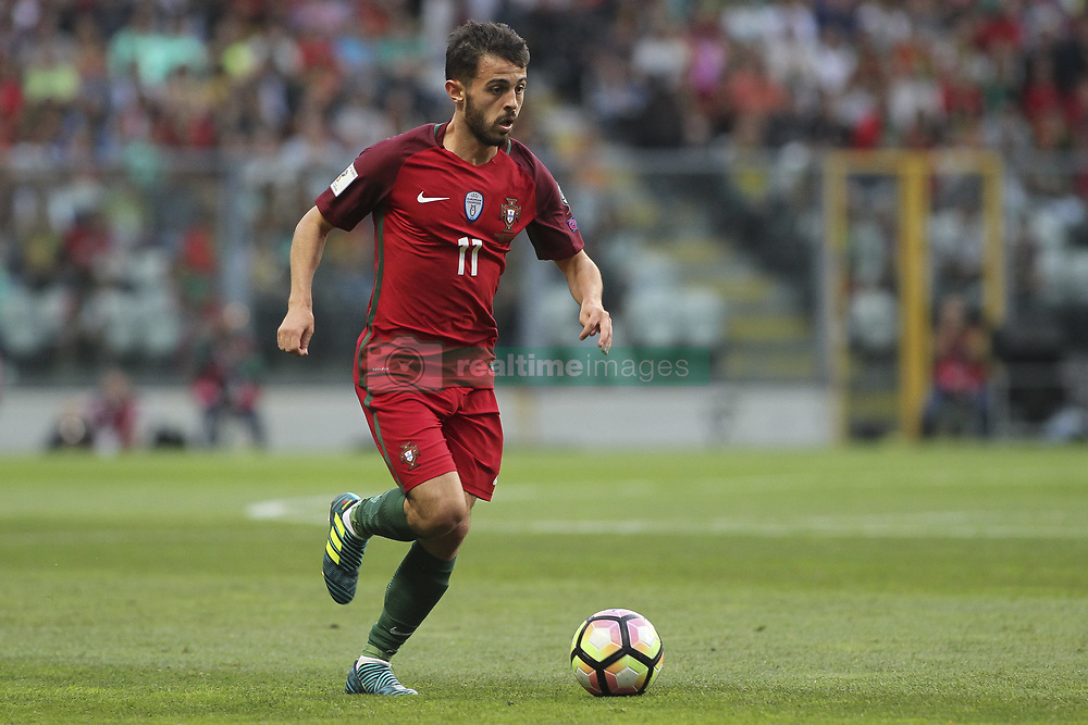 August 31, 2017 - Porto, Porto, Portugal - Portugal's midfielder Bernardo Silva during the FIFA World Cup Russia 2018 qualifier match between Portugal and Faroe Islands at Bessa Sec XXI Stadium on August 31, 2017 in Porto, Portugal. (Credit Image: © Dpi/NurPhoto via ZUMA Press)