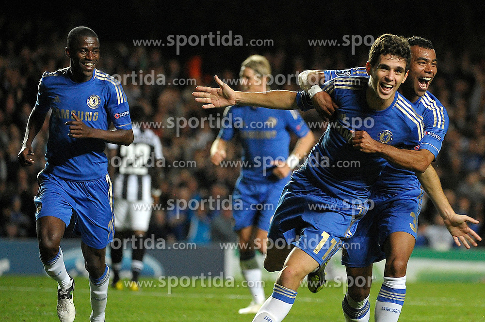19.09.2012, Stamford Bridge, London, GBR, UEFA Champions League, FC Chelsea vs Juventus Turin, Gruppe E, im Bild Oscar (2R) Chelsea esultanza dopo il gol, Goal Celebration // during the UEFA Champions League group E match between Chelsea FC and Juventus FC at the Stamford Bridge, London, Great Britain on 2012/09/19. EXPA Pictures © 2012, PhotoCredit: EXPA/ Insidefoto/ Federico Tardito..***** ATTENTION - for AUT, SLO, CRO, SRB, SUI and SWE only *****