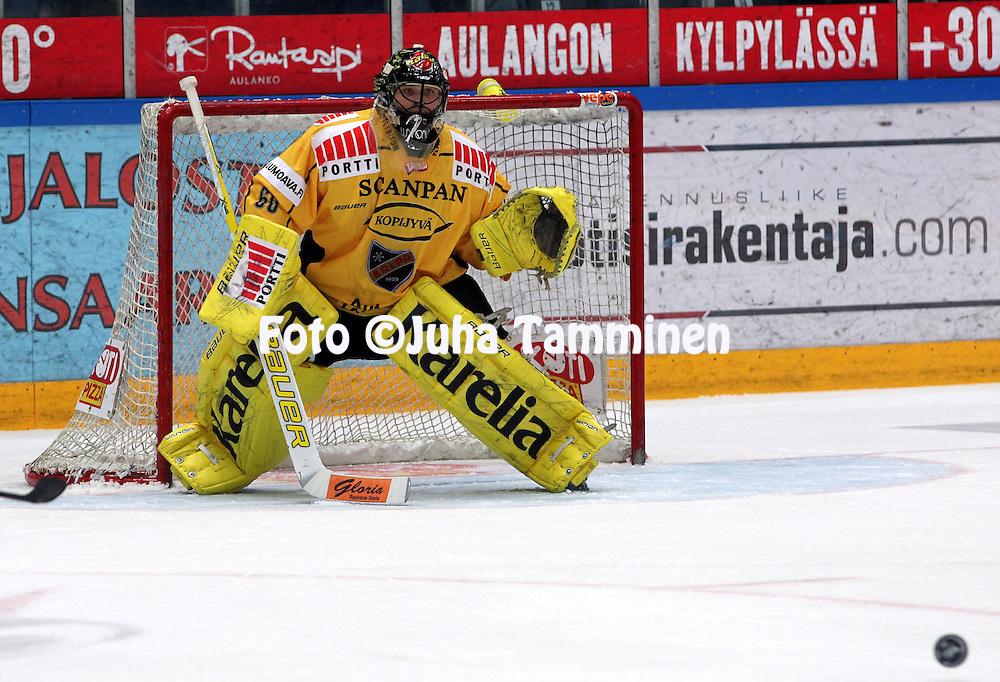 16.03.2010, H?meenlinna..J??kiekon SM-liiga 2009-10.HPK - KalPa.Mika J?rvinen - KalPa.©Juha Tamminen.