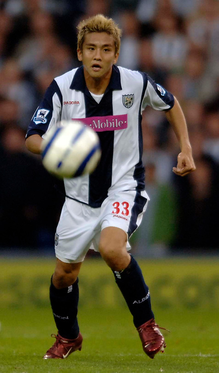 Photo: Glyn Thomas.<br />West Bromwich Albion. Newcastle Utd. The Barclays Premiership. 30/10/2005.<br /> West Brom's Junichi Inamoto makes his first start for the team.