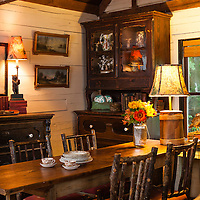 Rustic Cabin: Dining room overall