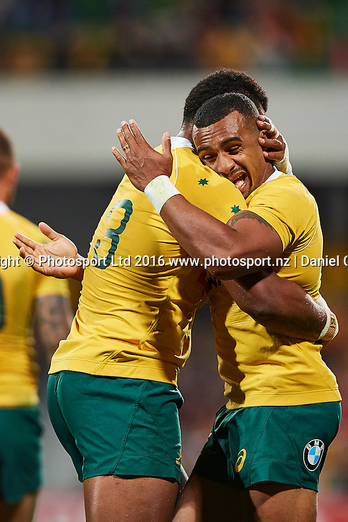 Samu Kerevi of the Qantas Wallabies and Will Genia of the Qantas Wallabies celebrate a try during the Rugby Championship test match between the Australian Qantas Wallabies and Argentina's Los Pumas from NIB Stadium - Saturday 17th September 2016 in Perth, Australia. © Copyright Photo by Daniel Carson / www.photosport.nz)