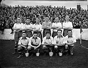 02/11/1952<br /> 11/02/1952<br /> 02 November 1952<br /> Waterford v St. Patrick's Athletic at Milltown, Dublin. The Waterford team.