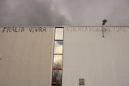Gemenos, Bocche del Rodano, (Marsiglia), 31/01/2014: Il primo Incontro Europeo &ldquo;L'economia dei lavoratori&rdquo; nella fabbrica della Fralib, azienda occupata dai lavoratori in difesa del<br /> loro posto di lavoro. First European meeting in the occupied Fralib factory.