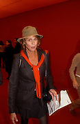 Lauren Hutton, Private view of the Frieze Art Fair, Regent's Park, 16 October 2003. © Copyright Photograph by Dafydd Jones 66 Stockwell Park Rd. London SW9 0DA Tel 020 7733 0108 www.dafjones.com