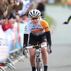 16-04-2016: Wielrennen: IJsseldelta Topcompetitie vrouwen: Zwolle<br /> ZWOLLE (NED) wielrennen <br /> Anna van der Breggen heeft voor de derde keer de Omloop van de IJsseldelta gewonnen. De renster van Rabo-Liv rekende in haar woonplaats Zwolle af met Vera Koedooder met wie ze in de finale weg reed uit een kopgroep van negen.<br /> De sprint voor de derde plaats ging naar Floortje Mackaij.