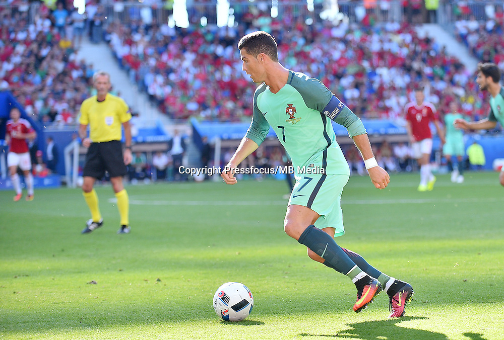 2016.06.22 Lyon<br /> Pilka nozna Euro 2016<br /> mecz grupy F Wegry - Portugalia<br /> N/z Cristiano Ronaldo<br /> Foto Lukasz Laskowski / PressFocus<br /> <br /> 2016.06.22<br /> Football UEFA Euro 2016 group F game between Hungary and Portugal<br /> Cristiano Ronaldo<br /> Credit: Lukasz Laskowski / PressFocus