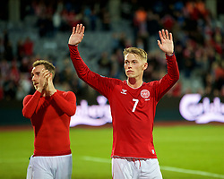 "AARHUS, DENMARK - Sunday, September 9, 2018: Denmark's Viktor Fischer waves to the Wales supporters, who chant ""You're only here for the money"" after the Danish team went on strike and refused to play a friendly game, during the UEFA Nations League Group Stage League B Group 4 match between Denmark and Wales at the Aarhus Stadion. (Pic by David Rawcliffe/Propaganda)"