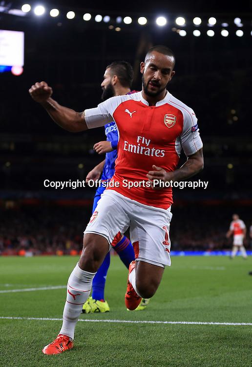29 September 2015 - UEFA Champions  League (Group F) - Arsenal v Olympiakos - Theo Walcott of Arsenal celebrates scoring the equalising goal - Photo: Marc Atkins / Offside.