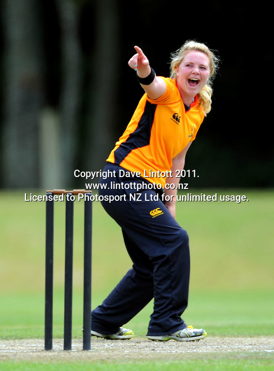 Wellington's Lucy Doolan appeals for a wicket. Women's Twenty20 cricket - Wellington Blaze v Canterbury Magicians at Barton Oval, Upper Hutt, Wellington on Tuesday, 4 January 2011. Photo: Dave Lintott / photosport.co.nz