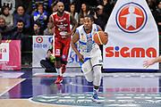 DESCRIZIONE : Campionato 2014/15 Dinamo Banco di Sardegna Sassari - Giorgio Tesi Group Pistoia<br /> GIOCATORE : Jerome Dyson<br /> CATEGORIA : Palleggio Contropiede<br /> SQUADRA : Dinamo Banco di Sardegna Sassari<br /> EVENTO : LegaBasket Serie A Beko 2014/2015<br /> GARA : Dinamo Banco di Sardegna Sassari - Giorgio Tesi Group Pistoia<br /> DATA : 01/02/2015<br /> SPORT : Pallacanestro <br /> AUTORE : Agenzia Ciamillo-Castoria / Luigi Canu<br /> Galleria : LegaBasket Serie A Beko 2014/2015<br /> Fotonotizia : Campionato 2014/15 Dinamo Banco di Sardegna Sassari - Giorgio Tesi Group Pistoia<br /> Predefinita :