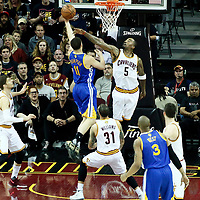 07 June 2017: Golden State Warriors guard Klay Thompson (11) goes for the layup against Cleveland Cavaliers guard JR Smith (5) during the Golden State Warriors 118-113 victory over the Cleveland Cavaliers, in game 3 of the 2017 NBA Finals, at  the Quicken Loans Arena, Cleveland, Ohio, USA.