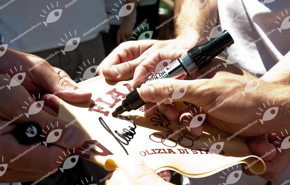 Uniti si puo - magliette di solidarieta pro terremotati Emilia.Roma Italy 14-16 June 2012.Stadio del Nuoto - Foro Italico.49 Trofeo Settecolli Herbalife 2012.Day02.Photo L.Binda/Deepbluemedia/Wateringphoto