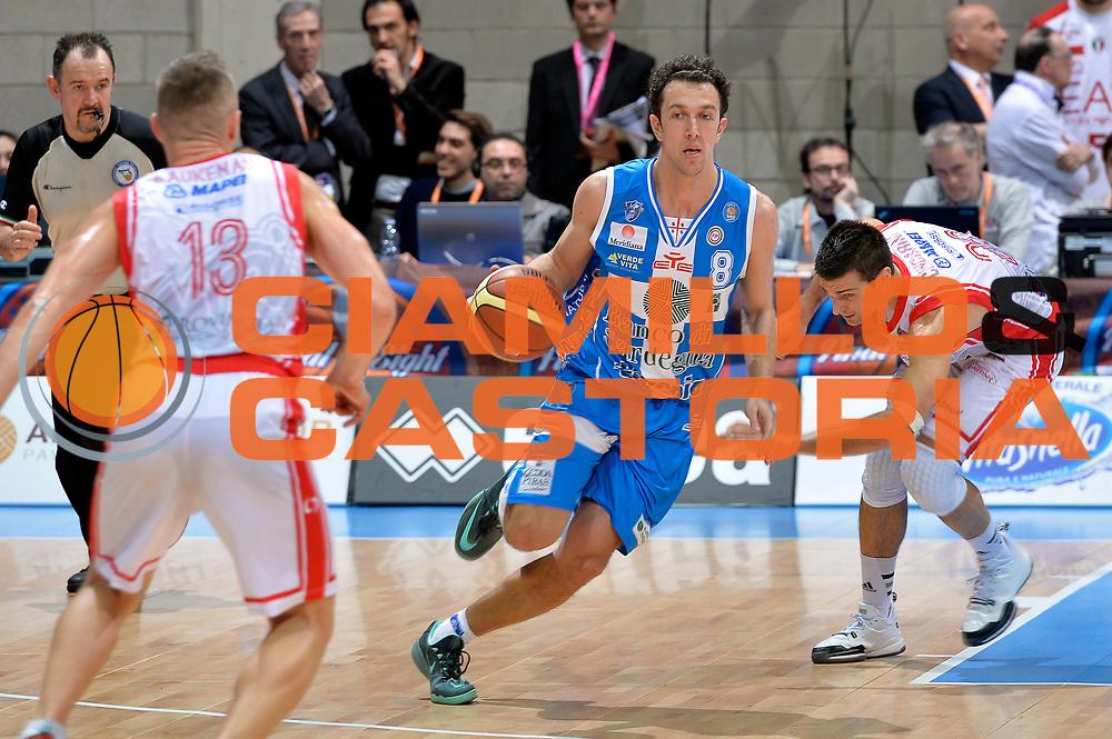 DESCRIZIONE : Final Eight Coppa Italia 2015 Semifinale Dinamo Banco di Sardegna Sassari - Grissin Bon Reggio Emilia<br /> GIOCATORE : Giacomo De Vecchi<br /> CATEGORIA : palleggio<br /> SQUADRA : Banco di Sardegna Sassari<br /> EVENTO : Final Eight Coppa Italia 2015 <br /> GARA : Dinamo Banco di Sardegna Sassari - Grissin Bon Reggio Emilia<br /> DATA : 21/02/2015<br /> SPORT : Pallacanestro <br /> AUTORE : Agenzia Ciamillo-Castoria/Max.Ceretti