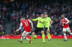 John Fleck of Sheffield United turns Lucas Torreira of Arsenal inside out - Mandatory by-line: Arron Gent/JMP - 18/01/2020 - FOOTBALL - Emirates Stadium - London, England - Arsenal v Sheffield United - Premier League