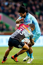 Michael Fatialofa of Worcester Warriors takes on Joe Marchant of Harlequins - Mandatory by-line: Robbie Stephenson/JMP - 16/02/2019 - RUGBY - Twickenham Stoop - London, England - Harlequins v Worcester Warriors - Gallagher Premiership Rugby