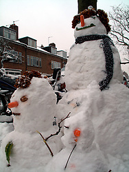 UNITED KINGDOM LONDON 2FEB09 - Snowmen in Queens Park during a cold winter spell, west London...jre/Photo by Jiri Rezac..© Jiri Rezac 2009