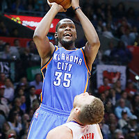21 December 2015: Oklahoma City Thunder forward Kevin Durant (35) over Los Angeles Clippers forward Blake Griffin (32) during the Oklahoma City Thunder 100-99 victory over the Los Angeles Clippers, at the Staples Center, Los Angeles, California, USA.