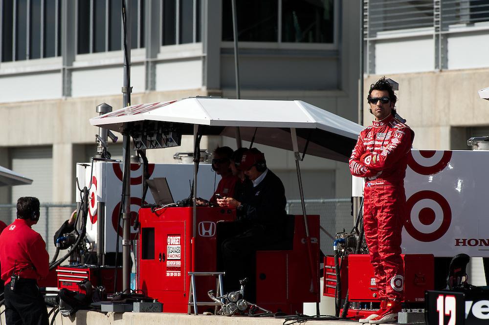 20-21 Febuary, 2012 Birmingham, Alabama USA.Dario Franchitti on pit wall..(c)2012 Scott LePage  LAT Photo USA