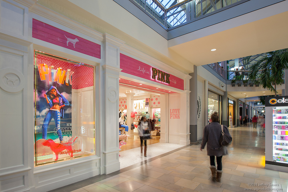Interior retail image of the Victoria's Secret Pink Store at Whitemarsh Mall in Baltimore by Jeffrey Sauers of Commercial Photographics In Washington DC, Virginia to Florida and PA to New England