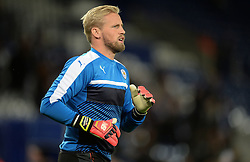 Kasper Schmeichel of Leicester City warms up prior to kick off. - Mandatory by-line: Alex James/JMP - 18/10/2016 - FOOTBALL - King Power Stadium - Leicester, England - Leicester City v FC Copenhagen - UEFA Champions League
