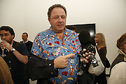 Johnny Pigozzi, USA Today. Saatchi Gallery and The Royal academy of Arts. Piccadilly. London. 5 October 2006. -DO NOT ARCHIVE-© Copyright Photograph by Dafydd Jones 66 Stockwell Park Rd. London SW9 0DA Tel 020 7733 0108 www.dafjones.com