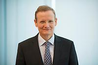 DEU, Deutschland, Germany, Berlin, 03.12.2019: Portrait von Dr. Ludger Schuknecht, Stellv. Generalsekretär der OECD.