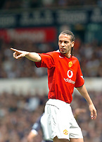 Photo: Leigh Quinnell.<br /> Tottenham Hotspur v Manchester United. The Barclays Premiership. 17/04/2006. Man Utds' Rio Ferdinand points the way.